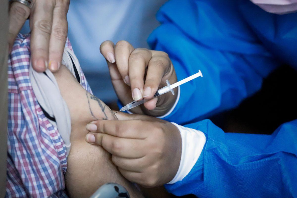 Coronavirus: China estudia mezclar varias vacunas para aumentar la eficacia ante el virus