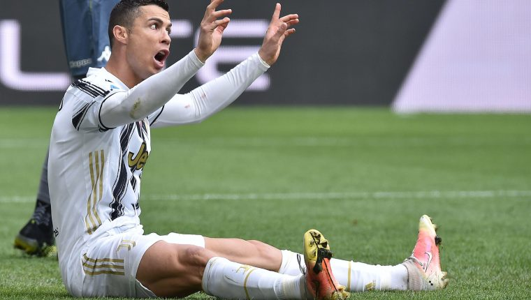Turin (Italy), 11/04/2021.- Juventus'Äô Cristiano Ronaldo reacts during the Italian Serie A soccer match Juventus FC vs Genoa CFC at the Allianz Stadium in Turin, Italy, 11 April 2021. (Italia, Estados Unidos, Génova) EFE/EPA/ALESSANDRO DI MARCO