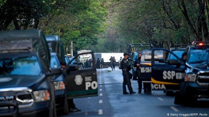 Custodio engaña a sus compañeros para robar más de medio millón de dólares en México