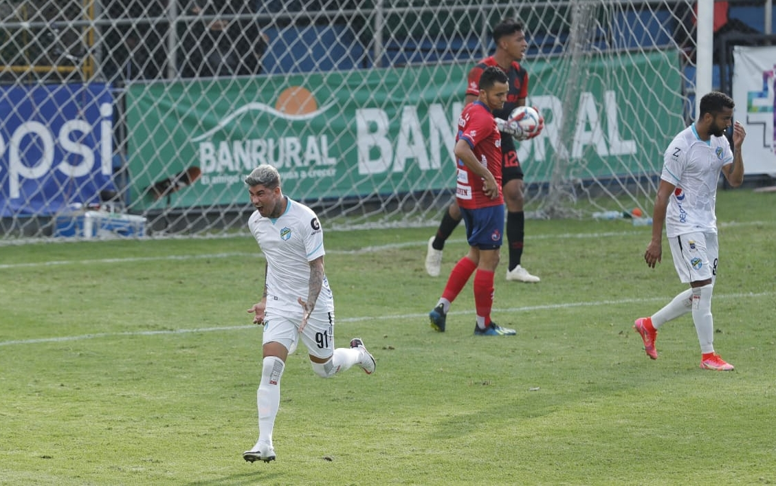 Clausura 2021: Victoria de último minuto; los cremas vencen a Municipal en el Clásico 314