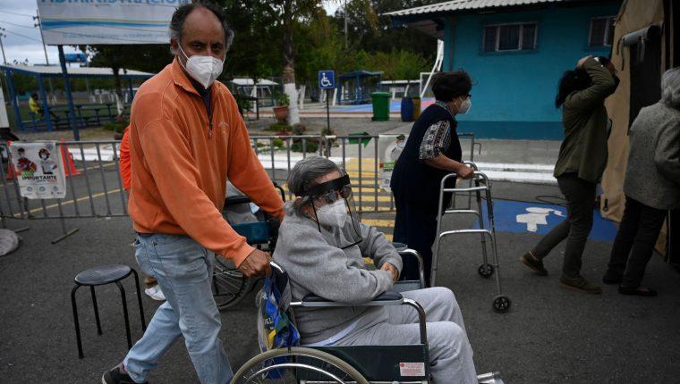 Los casos de coronavirus van en aumento en Guatemala, donde rige un estado de Prevención en busca de contener el avance de la pandemia. (Foto Prensa Libre: AFP)