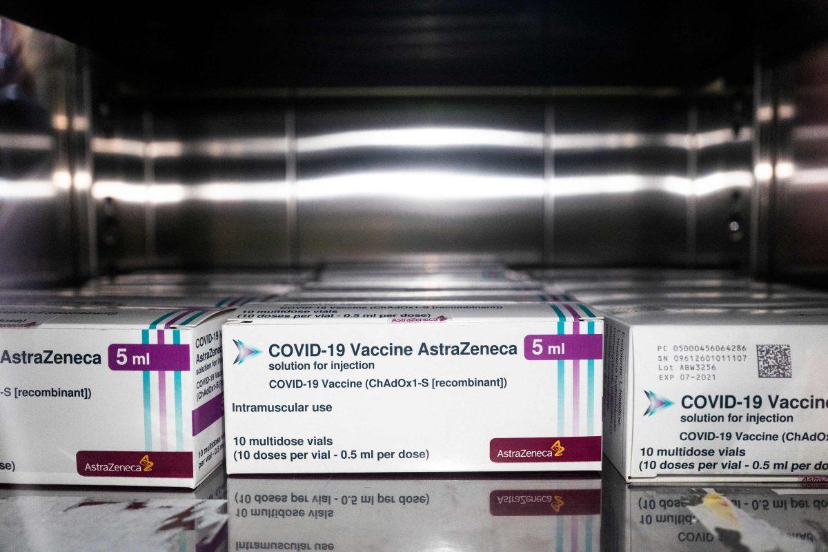 Dinamarca suspendió definitivamente la vacunación con AstraZeneca y evalúa compartir dosis con países pobres, según OMS