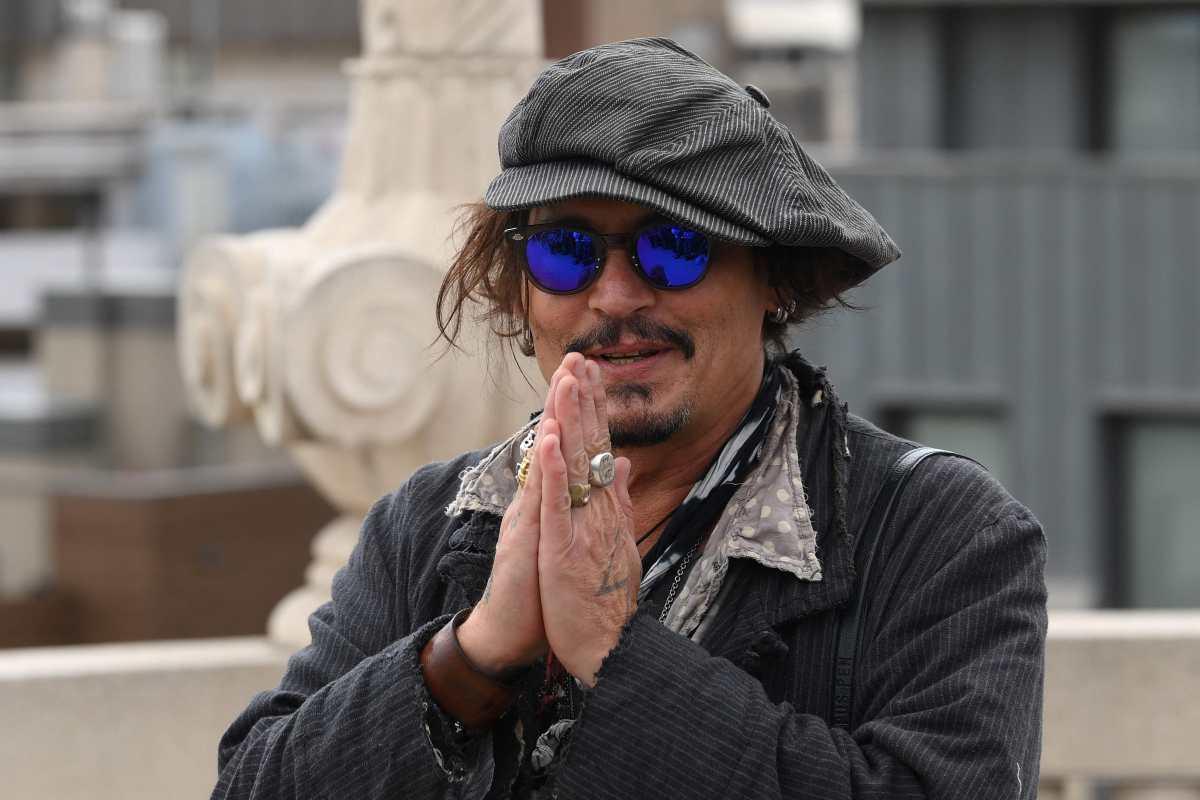 Johnny Depp gana demanda y su exesposa Amber Heard debe demostrar que cumplió con uno de los acuerdos de divorcio