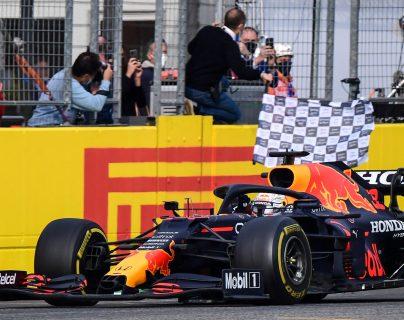 Verstappen gana el GP de Imola por delante de Lewis Hamilton