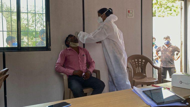 La India se ha convertido en el epicentro de la pandemia del coronavirus. (Foto Prensa Libre: AFP)