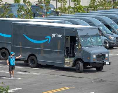 Amazon admite que sus conductores deben orinar en botellas durante los recorridos de entrega