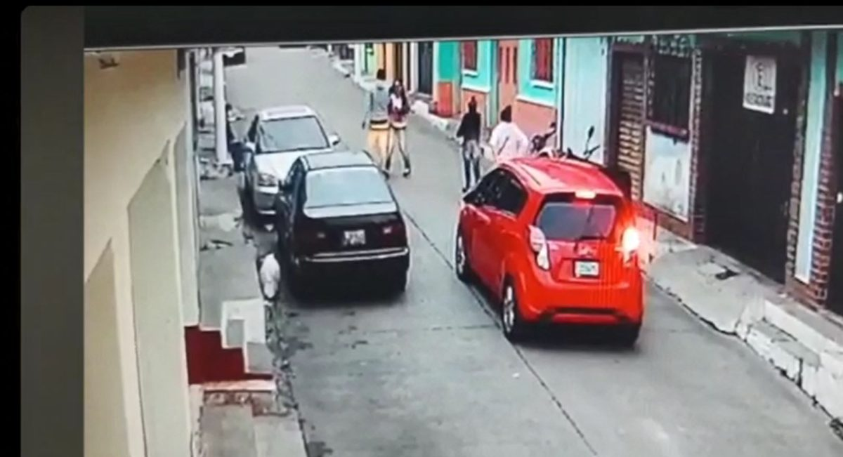 Video: así asaltan dos mujeres y un hombre en un sector de la zona 1 de Villa Nueva