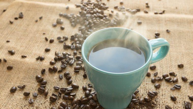 Beber más de dos tazas de café al día reduce el 44 % la mortalidad por todas las causas, según estudio