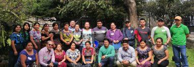 Emprendedores del Departamento de Sololá de la red REI, reciben constantemente capacitaciones para fortalecer sus negocios. (Foto Prensa Libre: Facebook REI)