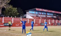 Janderson Pereira celebra el gol del triunfo de Cobán Imperial contra Sacachispas. (Foto Cobán Imperial).