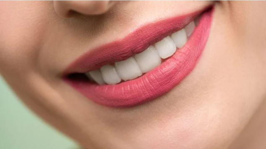 Científicos descubren un medicamento para regenerar los dientes