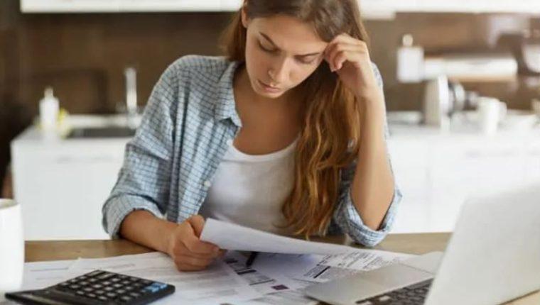 El historial crediticio le permite a una persona conocer el estatus de sus deudas y su comportamiento en el tiempo. (Foto Prensa Libre: Shutterstock)
