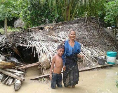 Al menos 44 muertos por inundaciones en Indonesia
