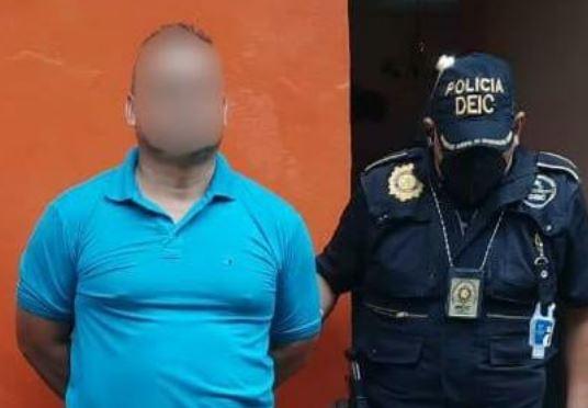 Fredy Aschebbrenner Bravo, capturado en Coatepeque, Quetzaltenango, sindicado de pertenecer a la banda delictiva los H. (Foto Prensa Libre: PNC)