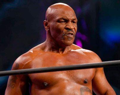 Video: Mike Tyson fue el gran protagonista en pelea de lucha libre con un golpe digno de sus mejores años
