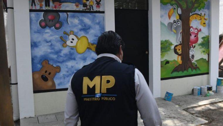 Las autoridades ya abrieron una investigación por el caso de la niña y su hermana rescatadas en Amatitlán. (Foto Prensa Libre: MP)