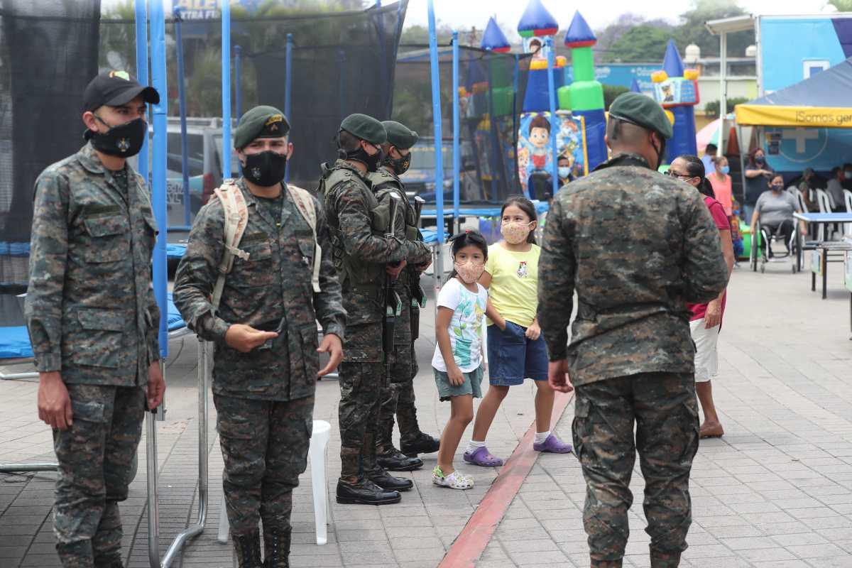 Ejército licita compra de 34 vehículos, chalecos de protección y equipo de radiocomunicación por Q29 millones 200 mil