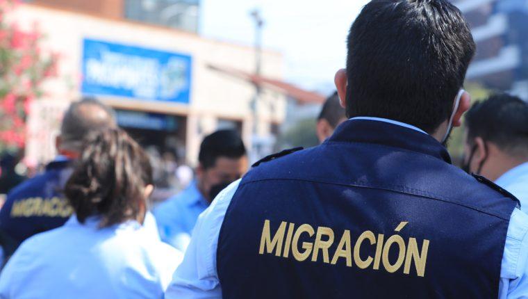 El IGM se prepara para la compra de 750 mil cartillas de pasaportes. (Foto Prensa Libre: Hemeroteca PL)