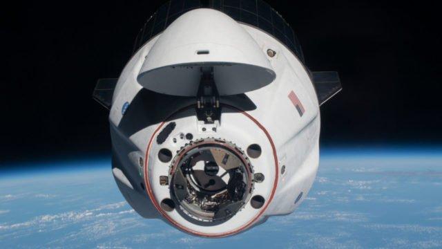 Nave de SpaceX casi colisiona con un ovni (y lo reconoce la NASA)