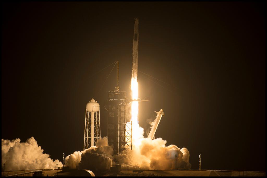 """Con nuevo despegue, la NASA y SpaceX celebran """"sueño"""" de más viajes espaciales"""