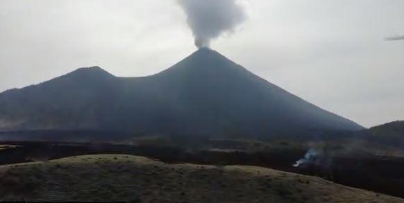 Vista de la actividad del Volcán de Pacaya este 20 de abril. (Foto Prensa Libre: Conred)