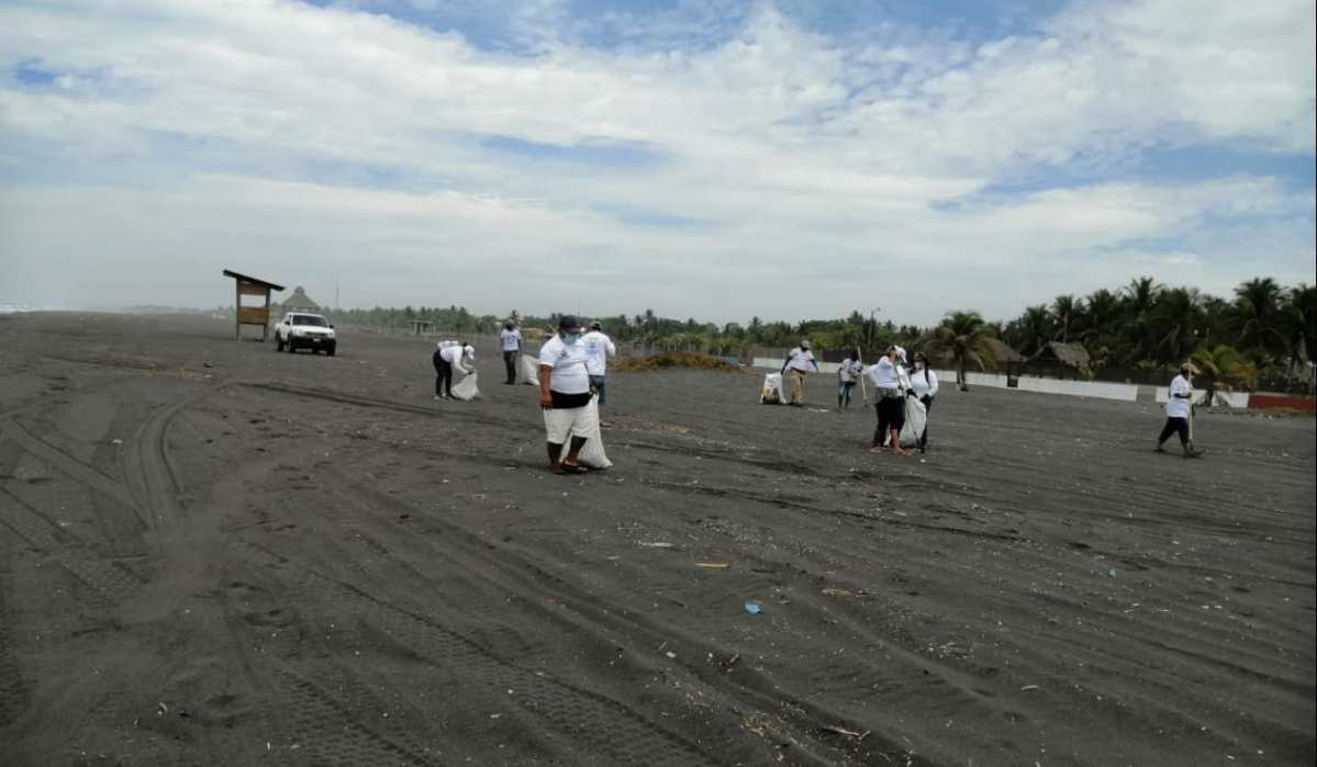 Veraneantes dejan casi 150 toneladas de basura en playas del país durante la Semana Santa
