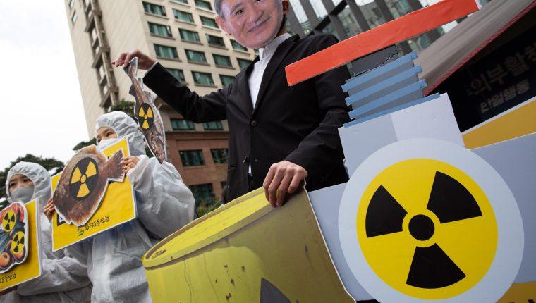 La decisión de Japón de verter al Pacífico el agua que fue sido contaminada en el accidente radioactivo en Fukushima causó manifestaciones en varios países. (Foto Prensa Libre: EFE)