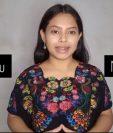 Edna Figueroa enseña Q'eqchi' por medio de vídeos cortos en Facebook.
