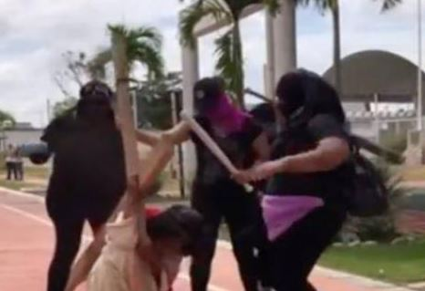 La polémica en México por una dramatización en la que golpean a Jesús