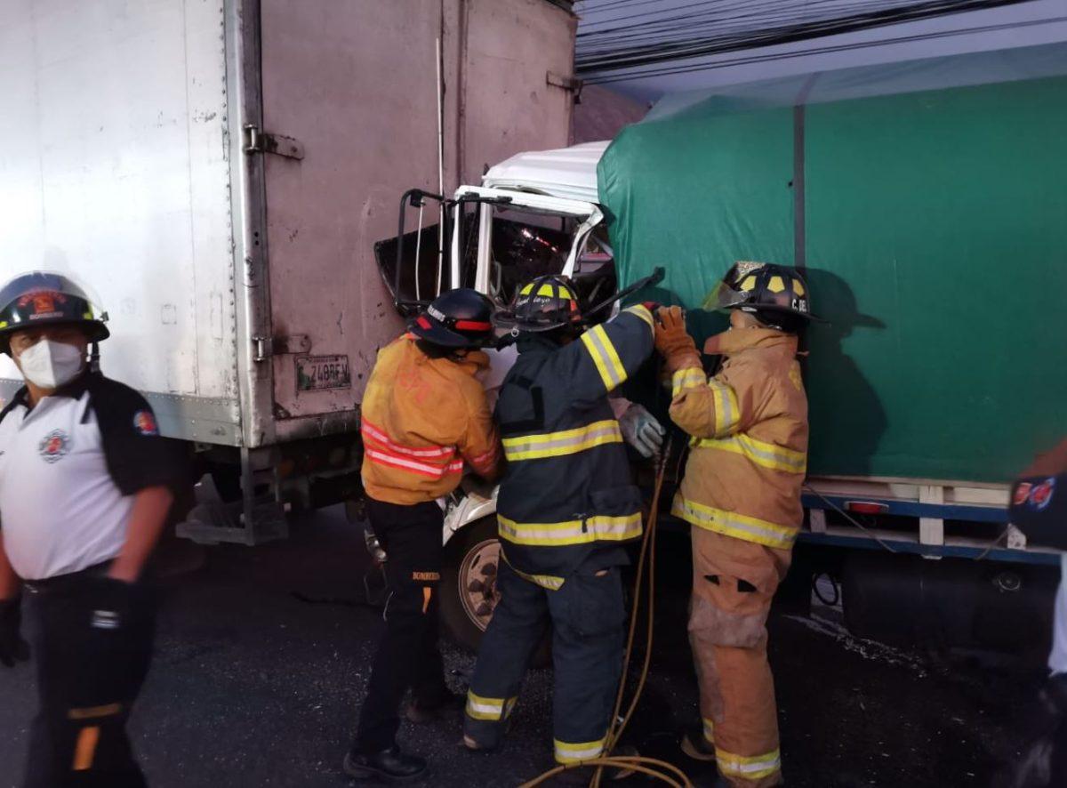 Triple choque en la ruta al Pacífico deja un muerto y complicaciones en el tránsito en km 30
