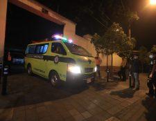 Los cuerpos de los dos bomberos fueron trasladados a la morgue del Inacif. (Foto: Fernando Cabrera)