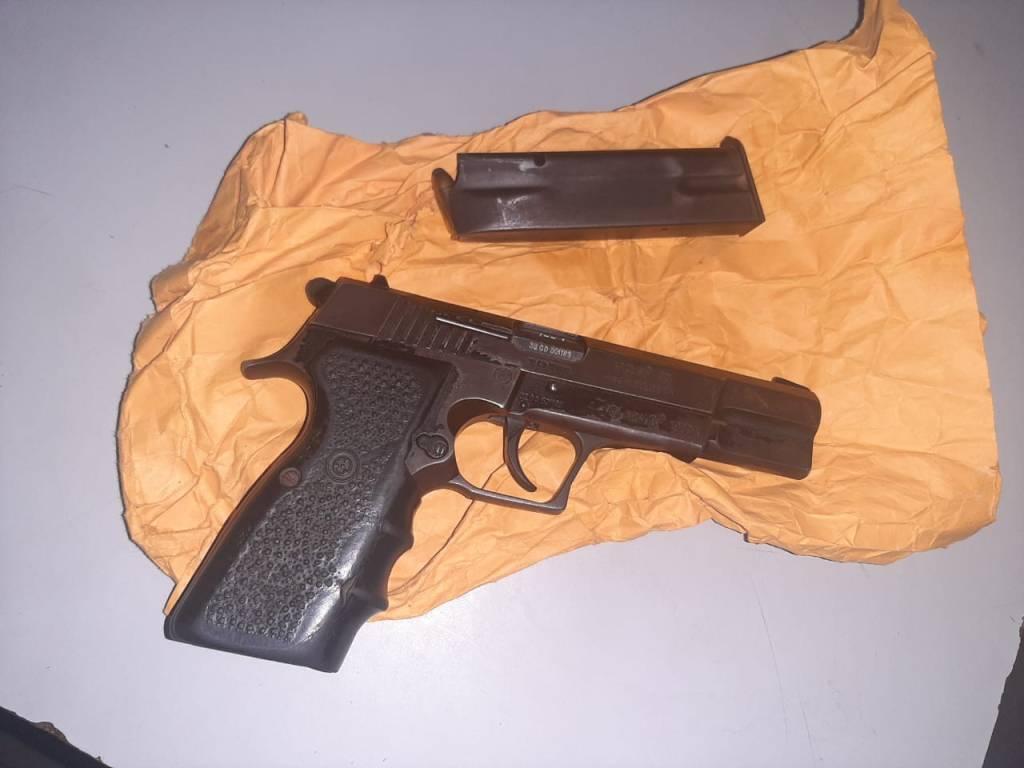 Un arma incautada. Foto: PNC