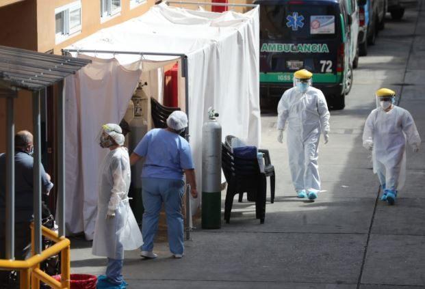 """""""Hemos tenido muchísimos fallecimientos de personas jóvenes"""", dice ministra de Salud al informar acerca del covid-19"""