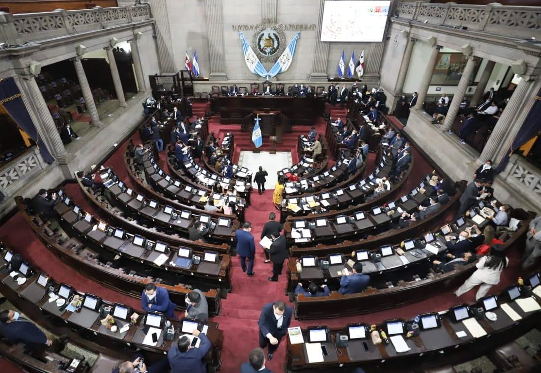 Congreso reforma Ley de contrataciones para que compras directas sean de Q200 mil