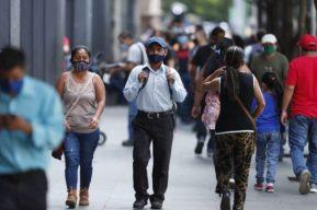 Guatemala acumula otros 431 casos de covid-19 y rebasa los 7 mil fallecidos