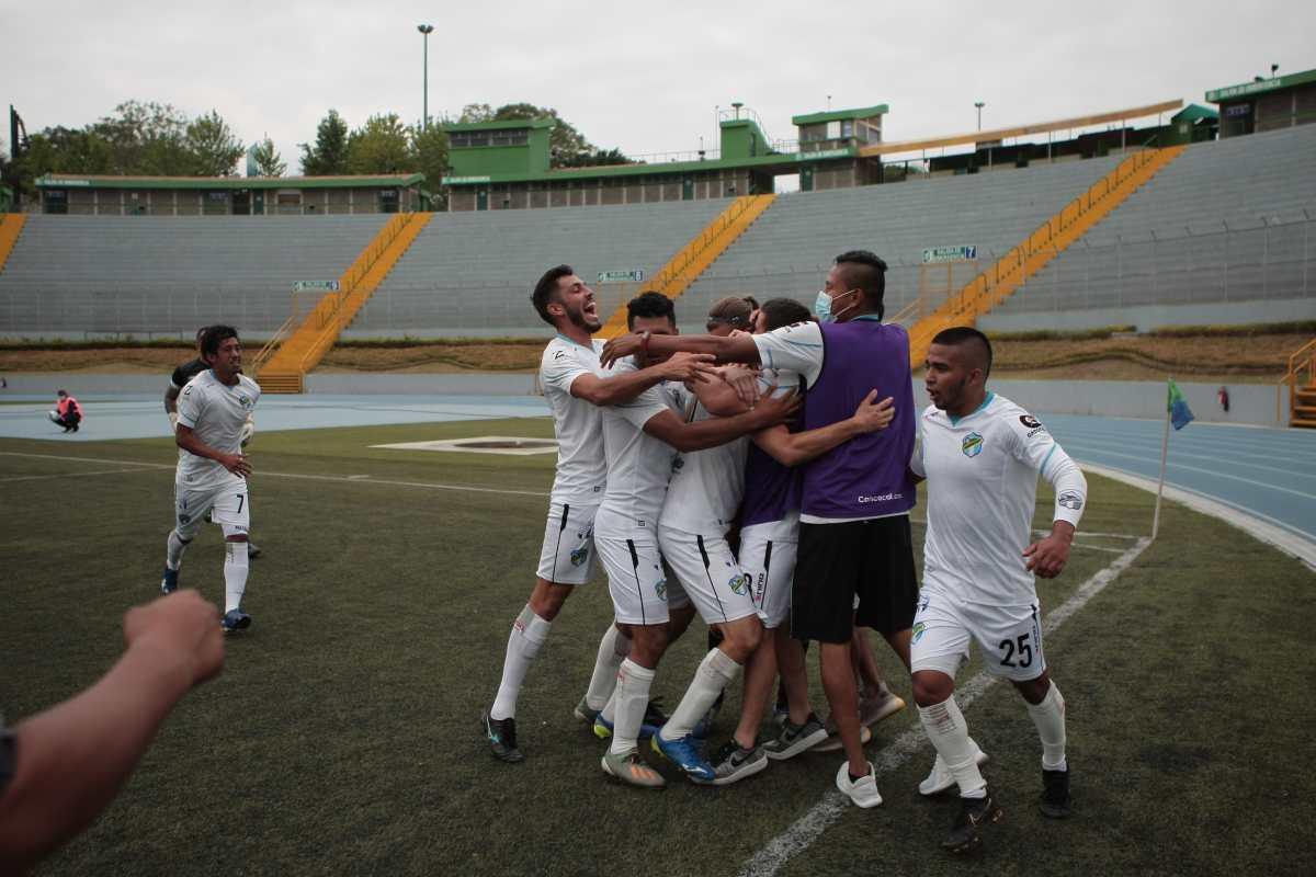 Comunicaciones B y Quiché avanzan a las semis y sueñan con el título en la Primera División