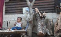 Ni–os de la aldea las Casitas en el municipio de Gualan  el ni–o padece de desnutrici—n tiene problemas con alimentaci—n el gobierno no le ha llevado ayuda.    Fotograf'a. Erick Avila:                        22/05/2020