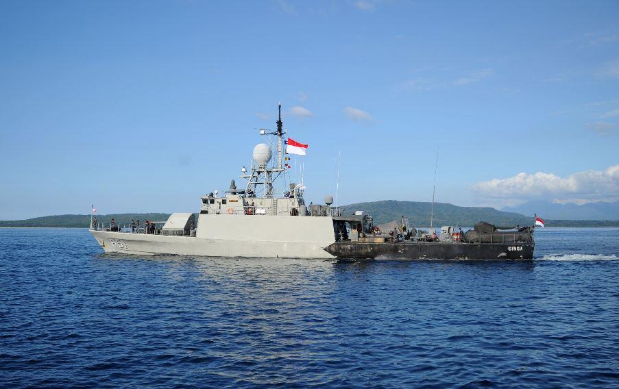 Indonesia confirma que el submarino desaparecido con 53 personas a bordo naufragó (hallan restos y pocas esperanzas de sobrevivientes)