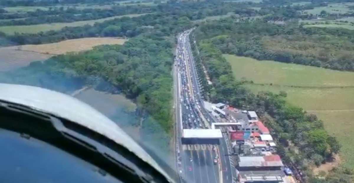 Masivo retorno: miles de automóviles regresan después del descanso de Semana Santa
