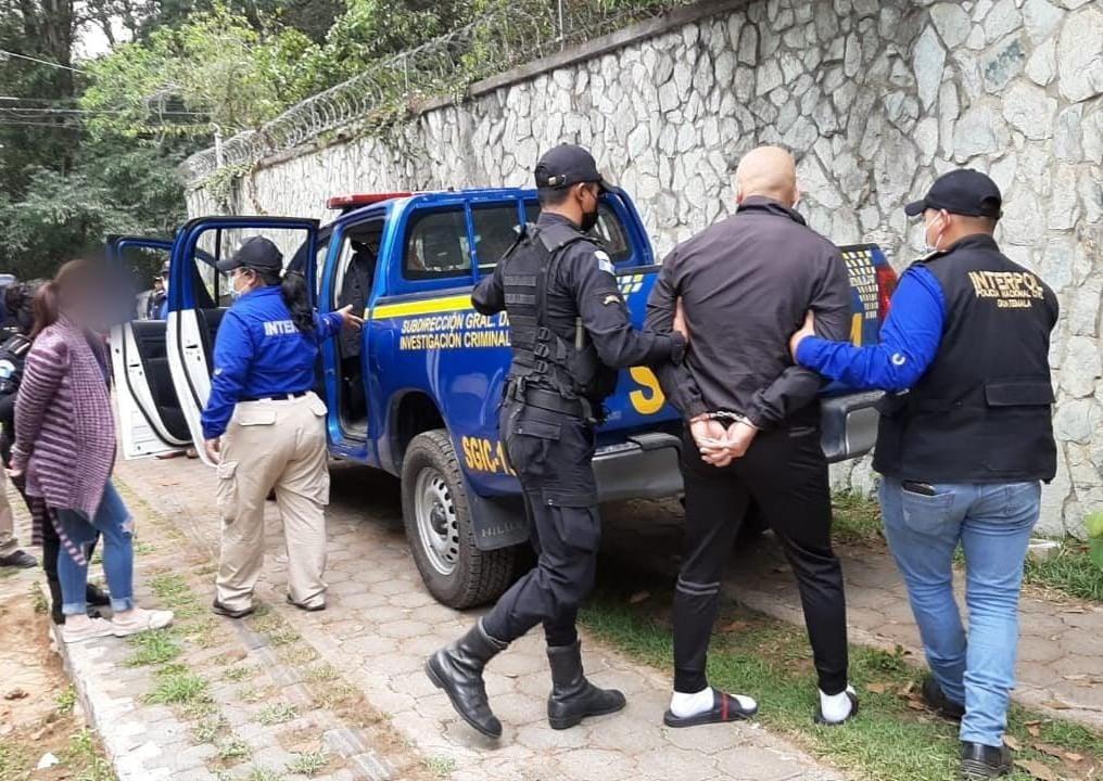 Tres vehículos que fueron robados en México son recuperados en San Lucas Sacatepéquez