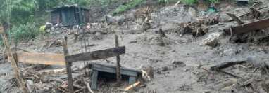 Deslizamiento en Santa Cruz Zapote de Chicamán, Quiché. (Foto Prensa Libre: Conred)