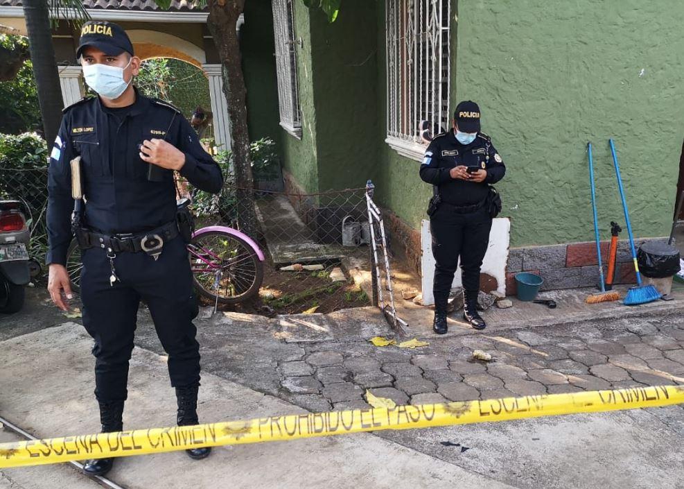 Un hombre muere y su esposa queda gravemente herida de bala luego de una discusión en su casa de Retalhuleu
