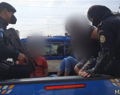 Rescatan a mujer que había sido secuestrada en Ciudad Quetzal y detienen a cinco supuestos plagiarios