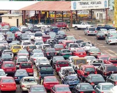 SAT prohíbe importación de vehículos de 7 años de antigüedad que no enciendan