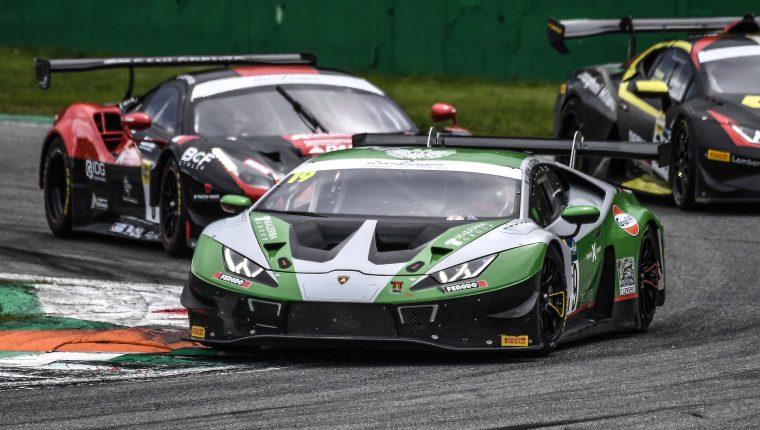 El piloto nacional Mateo Llarena conduce el Lamborghini Huracán GT3 EVO durante el Campeonato en Italia. (Foto Cortesía).
