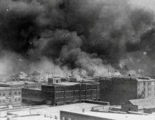 Durante el estallido de violencia se lanzaron explosivos desde el aire contra los residentes del llamado Wall Street negro.