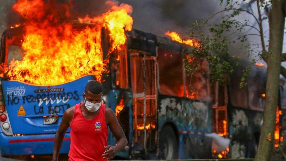 Reforma tributaria en Colombia: al menos dos muertos en Cali tras otra jornada de protestas