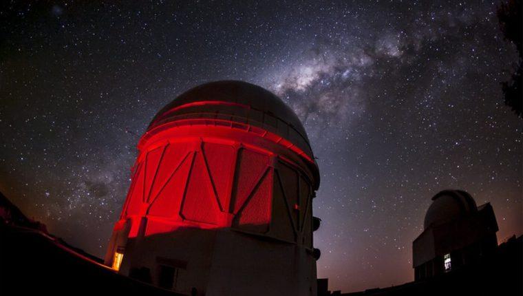 Se estudiaron 100 millones de galaxias con el telescopio Víctor M. Blanco de Chile para realizar el mapa.