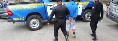 Ángel Estuardo Ortiz Oscal fue capturado en la aldea Aguacaliente, San Antonio La Paz, El Progreso. (Foto Prensa Libre: PNC)