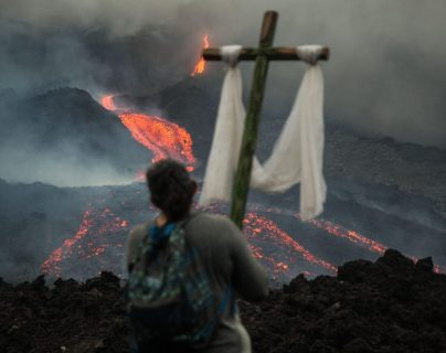 Fotogalería: las espectaculares imágenes que muestran el avance incesante del flujo de lava del Volcán de Pacaya